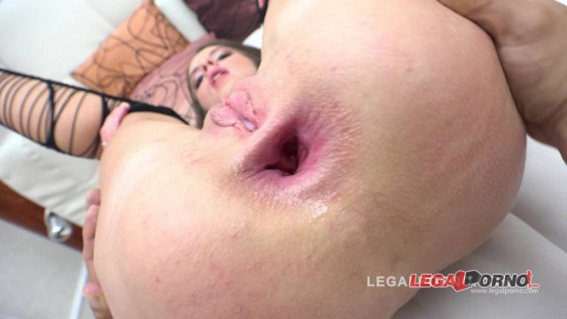 Teeny slut with perfect body Lita Phoenix anal sex debut RS54
