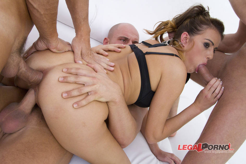 [LegalPorno] [Gonzo] Samantha Joons cum eating & piss drinking gangbang (8 it all from 8 guys) SZ630
