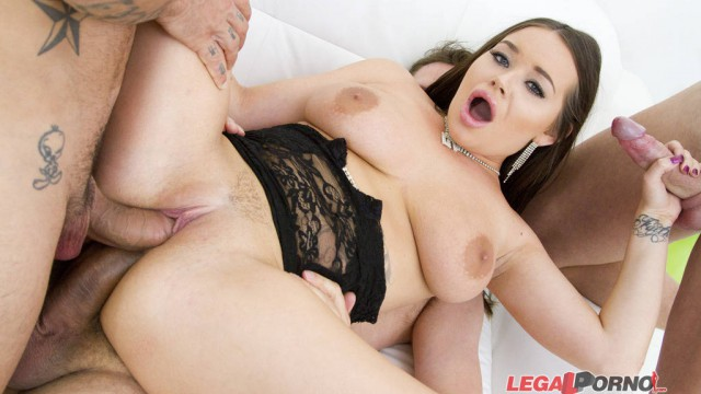 Rachele Richey first time in studio: 3on1 anal & DP SZ1039