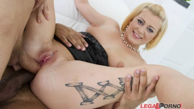 Big butt slut Roxy Black DAP'ed & fucked by 3 guys SZ1021
