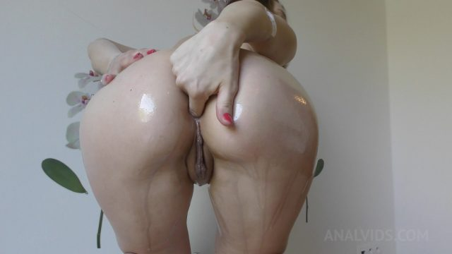Timea Bella masturbates with huge dildos & fills her ass with cream OTS171